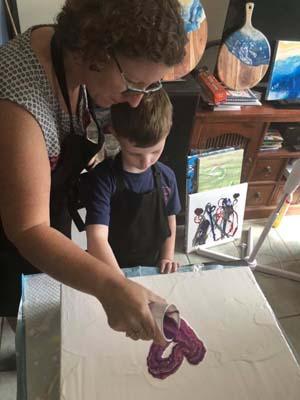 Dad Davinci and Mum Monet art classes in Brisbane with Paint n Pour Art Studioi